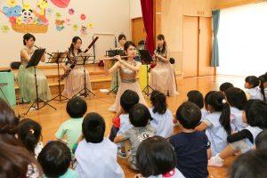岩泉町、幼稚園的兒童享受木管的聲音